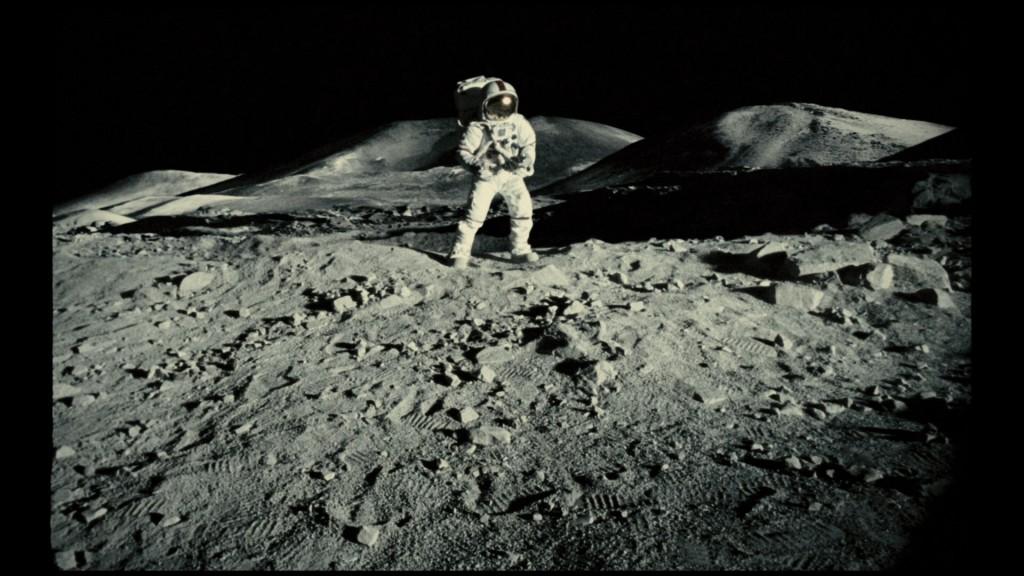 Apollo 18 rock aliens
