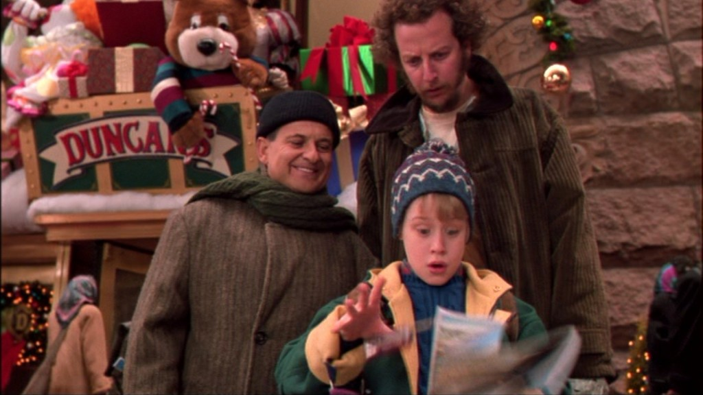 Home alone 2 lost in new york 1992 review by that film for Wallpaper home alone